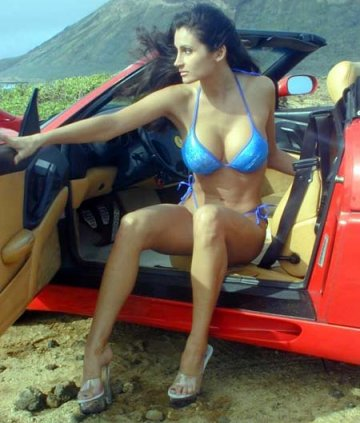 ferrari-and-sexy-girl-picture-2