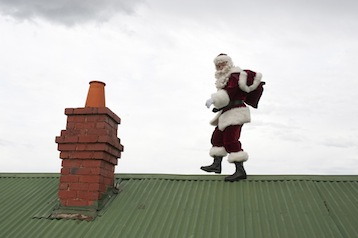 Santa-on-Roof-2