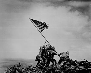 300px-WW2_Iwo_Jima_flag_raising