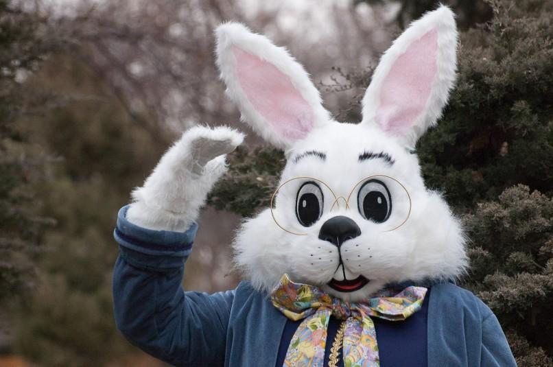 easter-bunny-mall